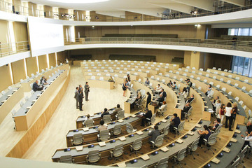 L-hemicycle_large