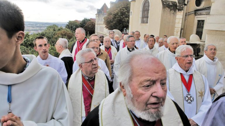 Prêtres voeu échevins