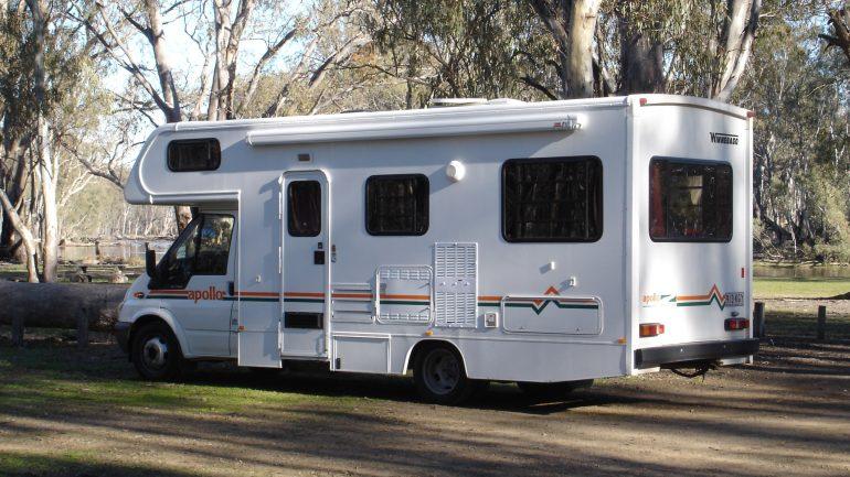Camping-car_australien_de_type_capucine