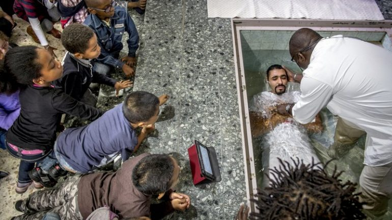 Baptême pentecôtiste