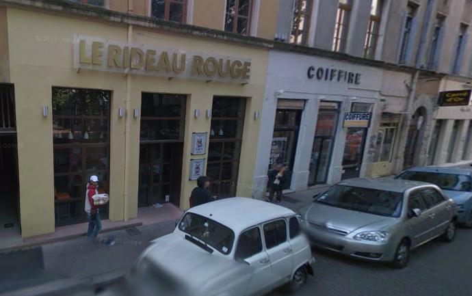 Café-théâtre le Rideau Rouge  