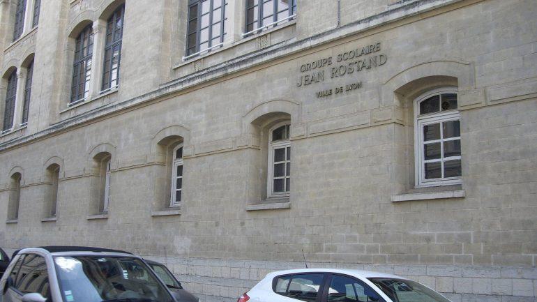 Le groupe scolaire Jean-Rostand est régulièrement infesté de blattes