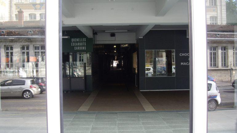 Les Halles Paul Bocuse vides