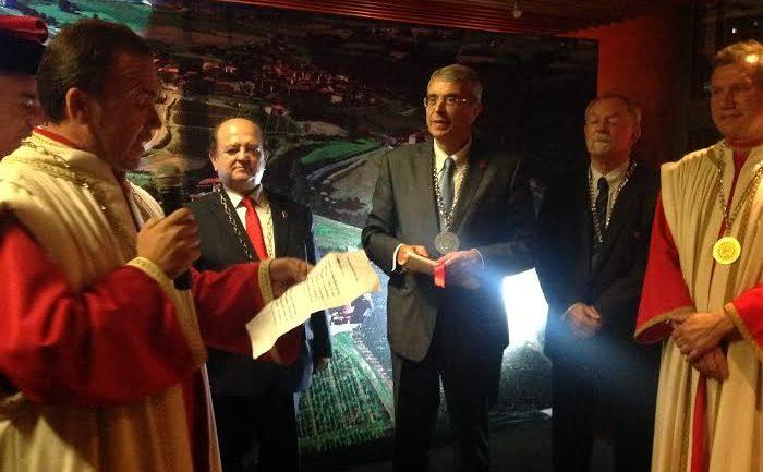 Queyranne lance l'institut du vin à Shanghai le 21 octobre