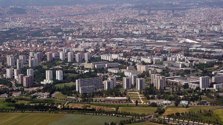 800px-Lyon_panoramique