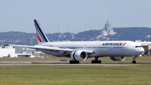 AirFrance-Boeing777-300ER-YUL-2009