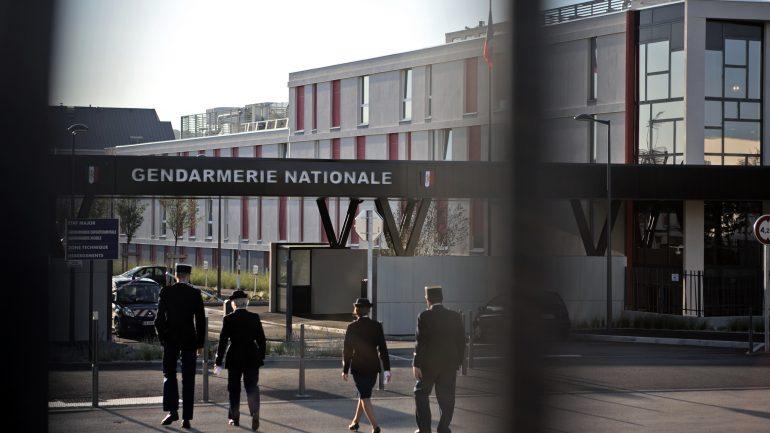 faits divers Entrée de la gendarmerie de Sathonay