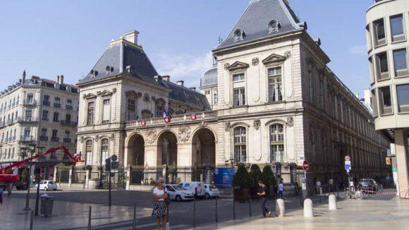 hôtel de ville place de la Comédie