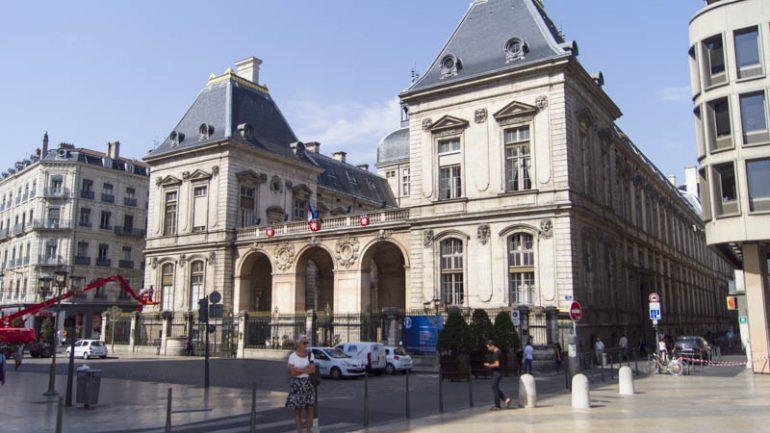 L'hôtel de ville de Lyon, place de la Comédie © Eliot Lucas