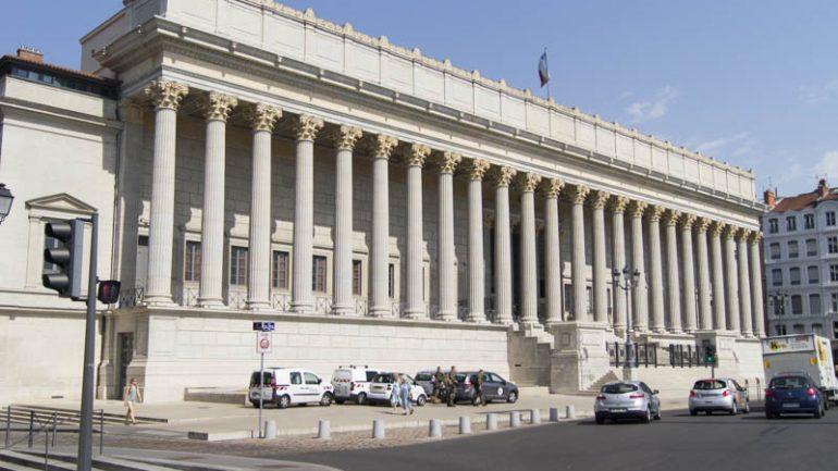 Le Palais de Justice des 24 Colonnes-2