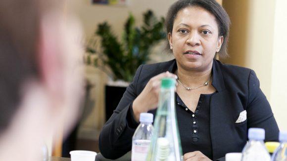 Hélène Geoffroy débat avril 2015 LC 12