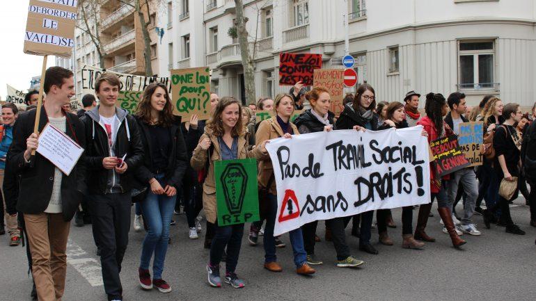 Banderole Manifestation loi travail 31 mars