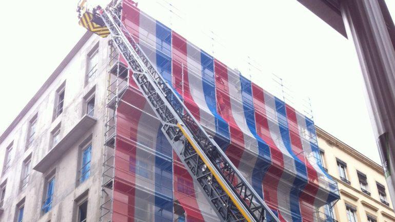 Intervention pompiers incendie toit