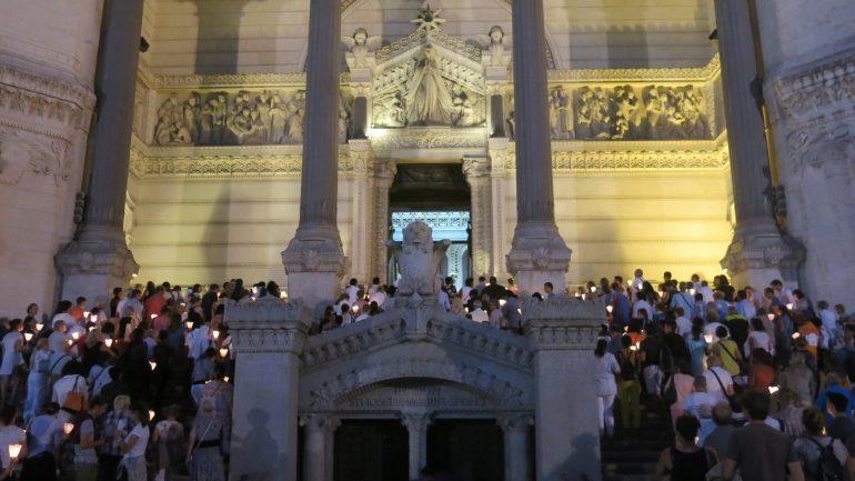 procession aux flambeaux Fourvière 14 août