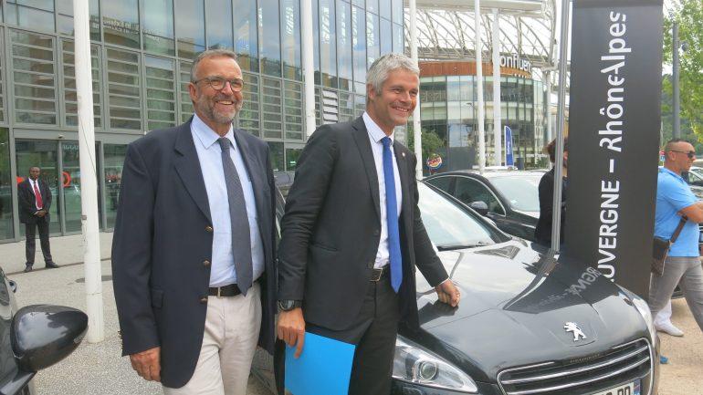 Laurent Wauquiez vend les voitures de la région
