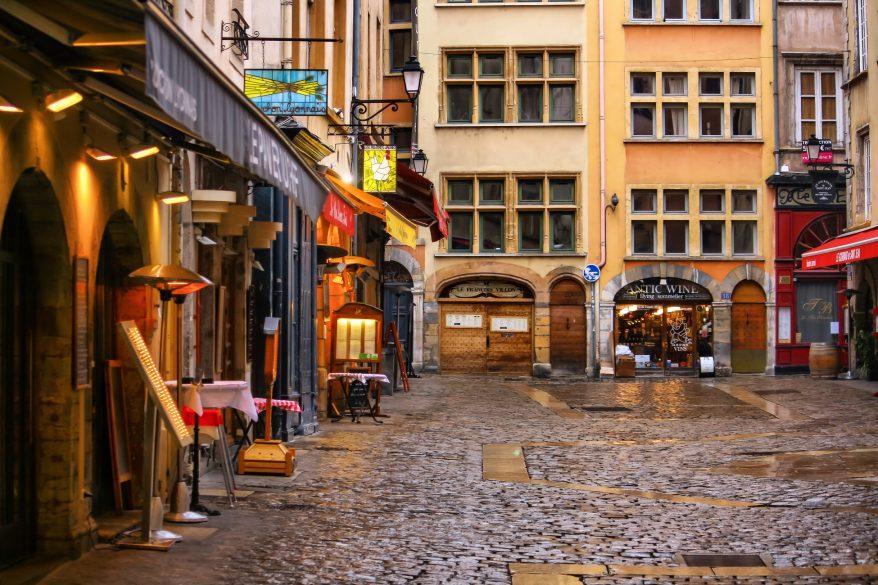 Lyon : les hommages se multiplient pour le sauveur du Vieux-Lyon