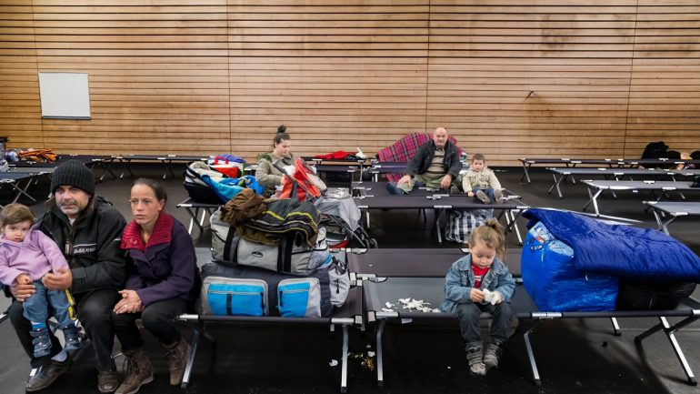 Réfugiés albanais plan froid © Tim Douet