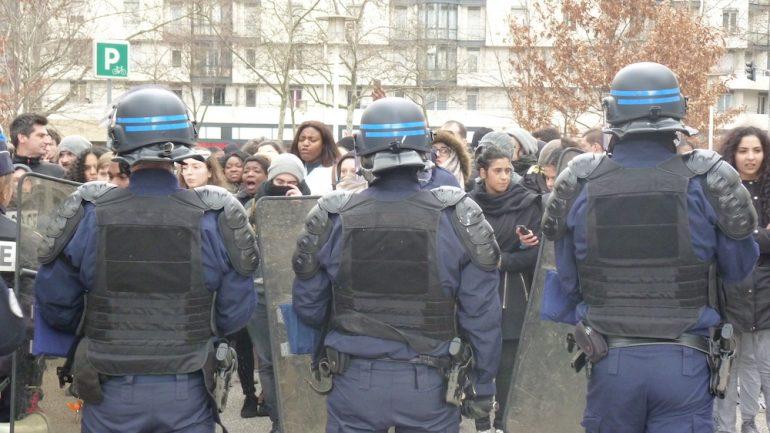 Police et manifestants