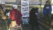 manif coursiers vélo livreurs Deliveroo Foodora
