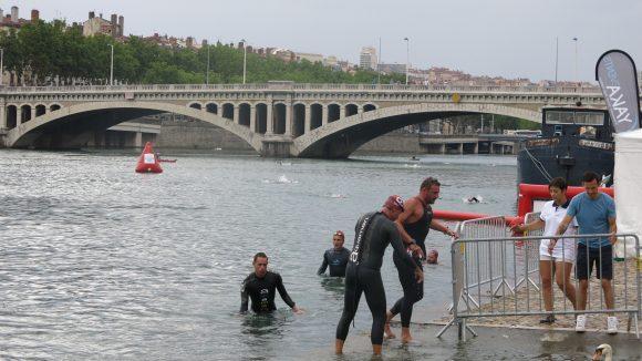 nage dans le Rhône