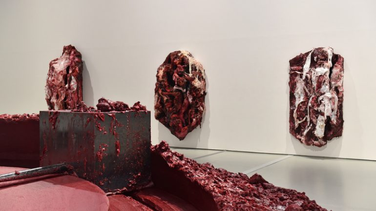 Anish Kapoor Red Homeland vue expo MAMC 1