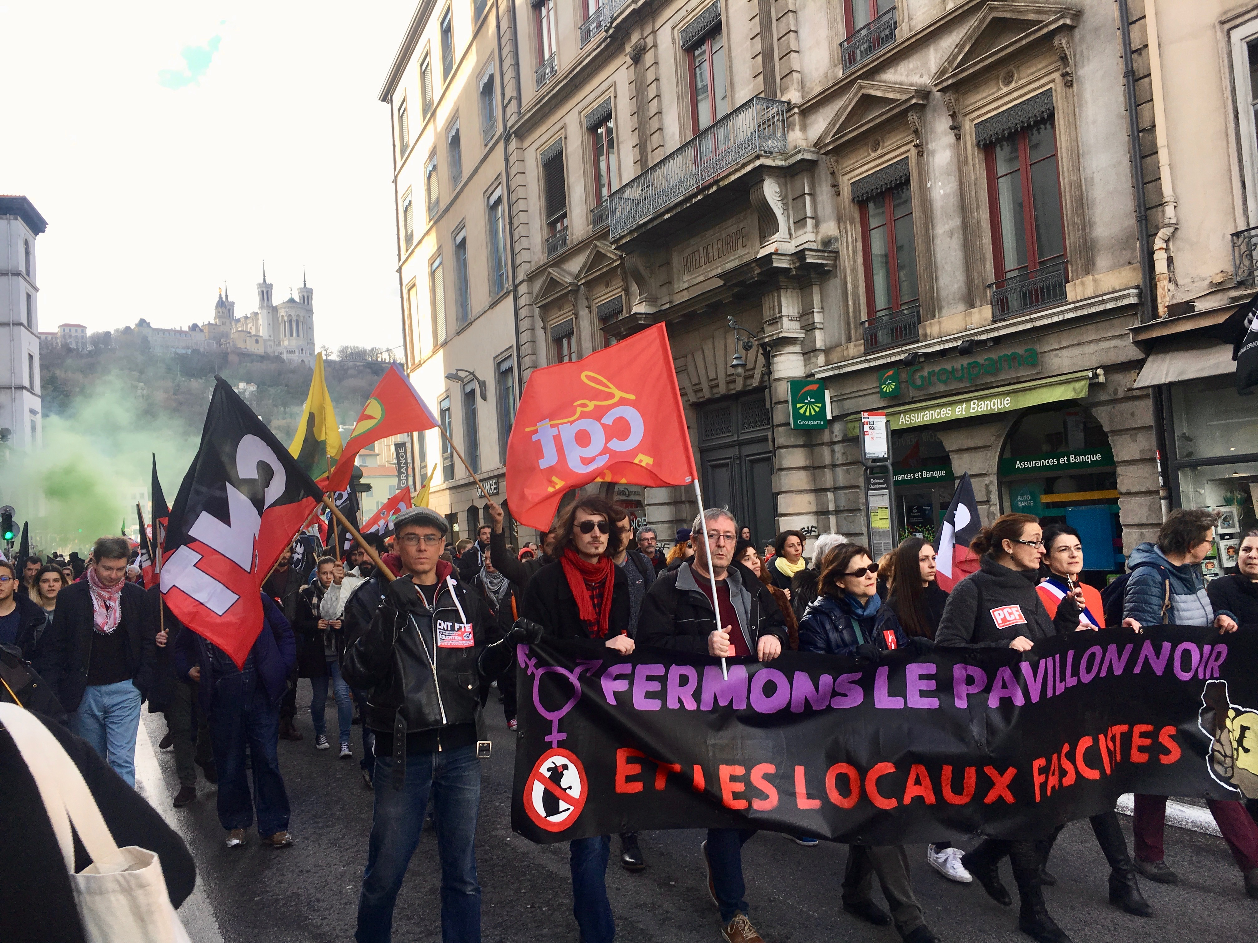 Manifestation antifasciste contre le bastion social