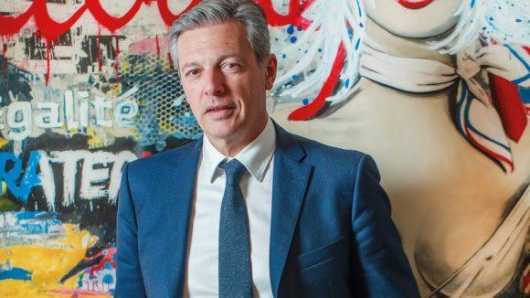 Pascal Blache dans son bureau de la mairie du 6e, en février 2018 © Tim Douet