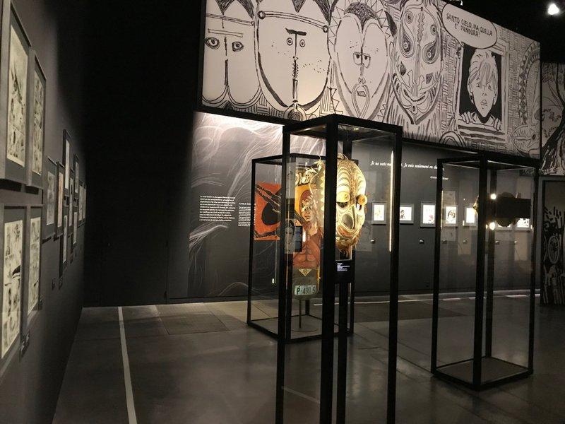 """Vue de l'exposition """"Hugo Pratt – Lignes d'horizons"""", au musée des Confluences © Manon Heckmann"""