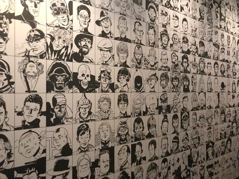 Le mur des personnages de Pratt dans l'expo Lignes d'horizons © Manon Heckmann