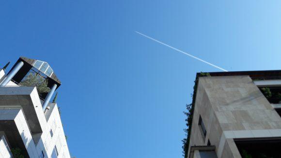 Soleil et ciel bleu sur Lyon au printemps