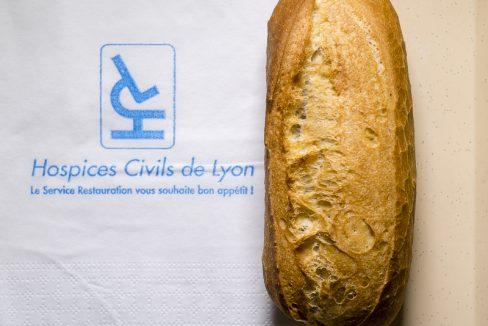 Le pain des hôpitaux de Lyon, produit dans la dernière boulangerie hospitalière de France © Tim Douet