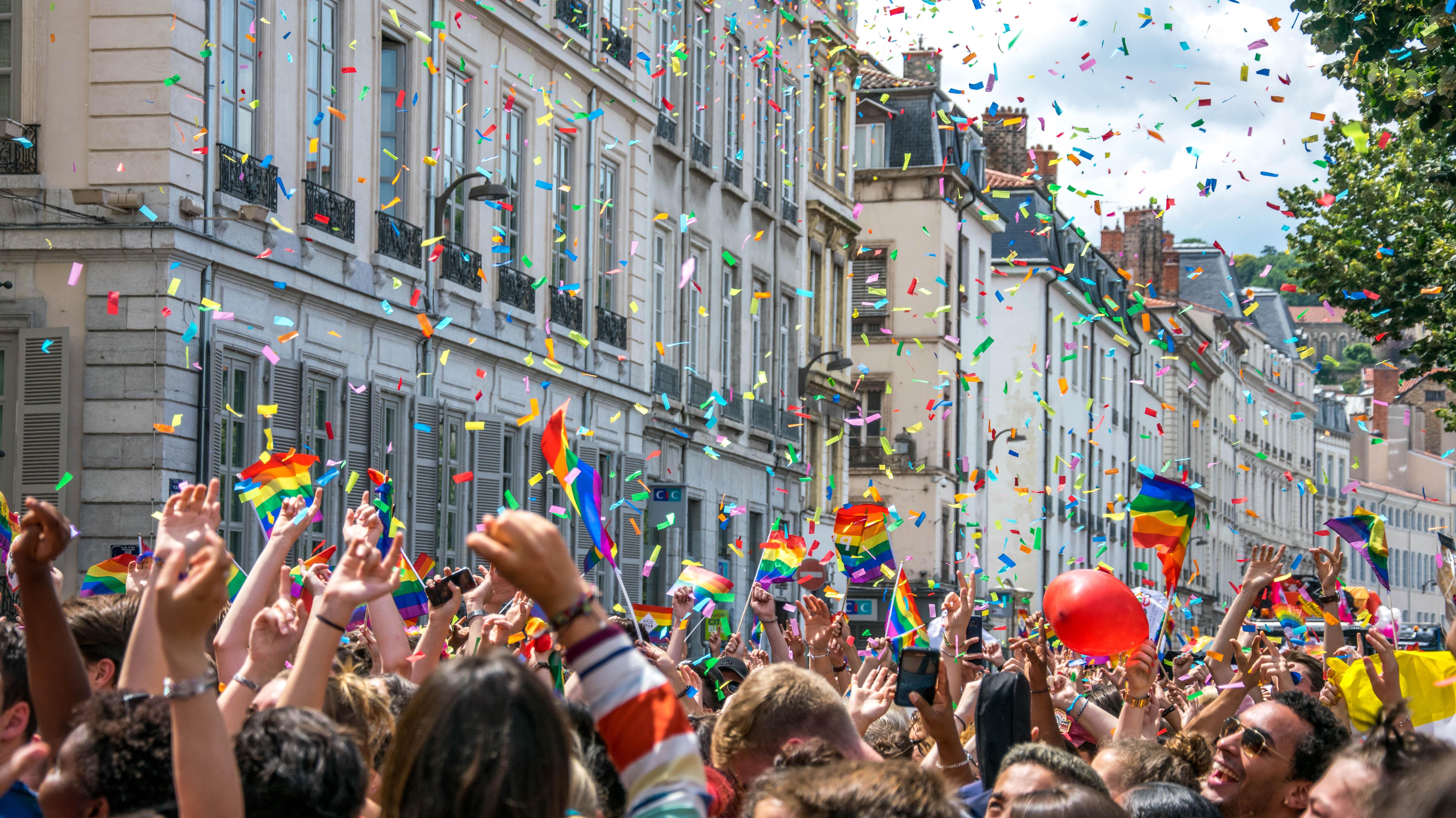 rencontre plan gay pride à Vénissieux