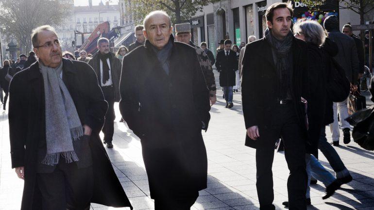 Michel Delpuech (alors préfet du Rhône), avec Gérard Collomb et Jean-Marie Girier, à Lyon, en novembre 2015 © Tim Douet