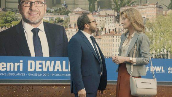 """Patrick Timsit et Astrid Whettnall sur le tournage de """"Tout contre elle"""" à Lyon © Solo Duo Production"""