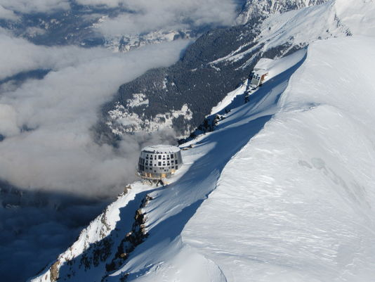Faux Maire Guerre Saint De Contre Mont En BlancLe Les Gervais Culs bgf67y
