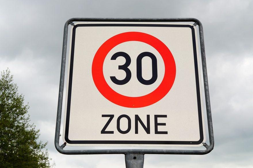 Lyon ville 30 en 2022 : aménagements, sécurité, la maire d'Oullins décrypte « sa » ville 30  
