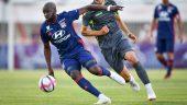 Le milieu de terrain de l'OL Tanguy Ndombele – FC Sion/OL, 13juillet 2018 © Fabrice Coffrini / AFP