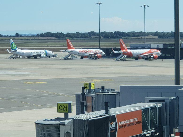 Deux avions atterrissent en urgence à l'aéroport Lyon Saint-Exupéry