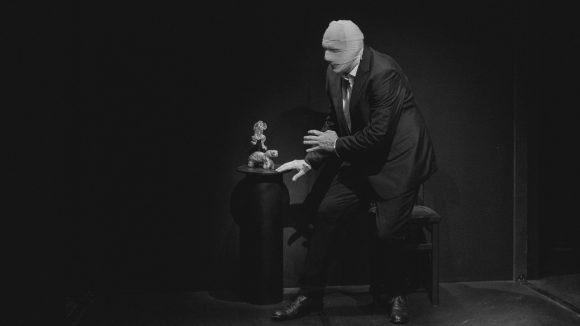 Mnémosyne, projet photographique et performatif de Josef Nadj – Biennale de la danse 2018 © Blandine Soulage Rocca