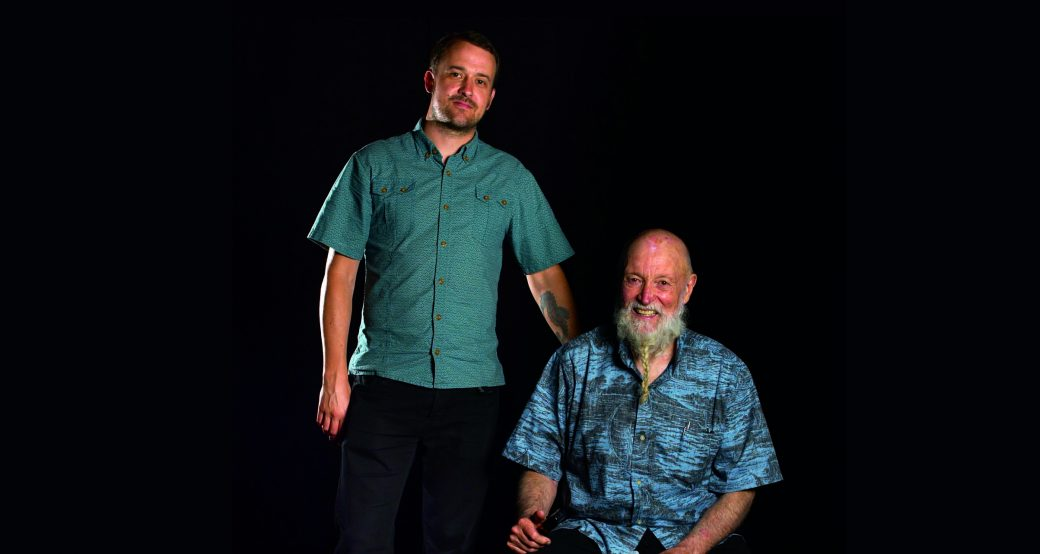 Terry (assis) et Gyan RIley © Ray Tarantino