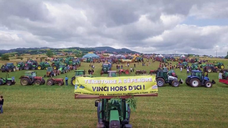 Manifestation contre l'A45, en 2017, dans les monts du Lyonnais © DR