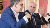 David Kimelfeld, Georges Képénékian et Gérard Collomb, à l'hôtel de ville de Lyon, le 17octobre 2018 © Tim Douet