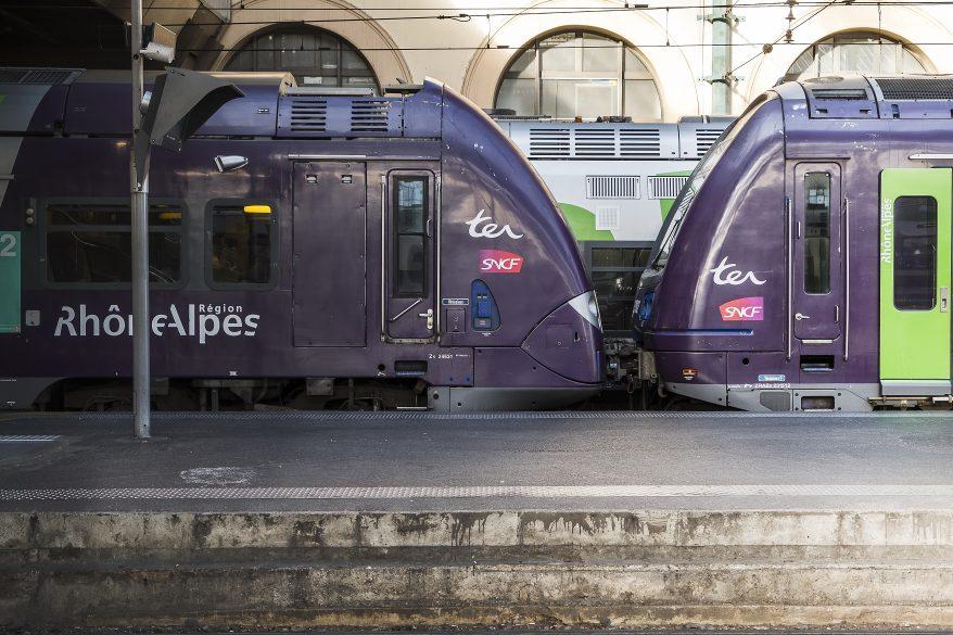 Lyon : le trafic TER vers l'Ouest perturbé à cause d'un incendie