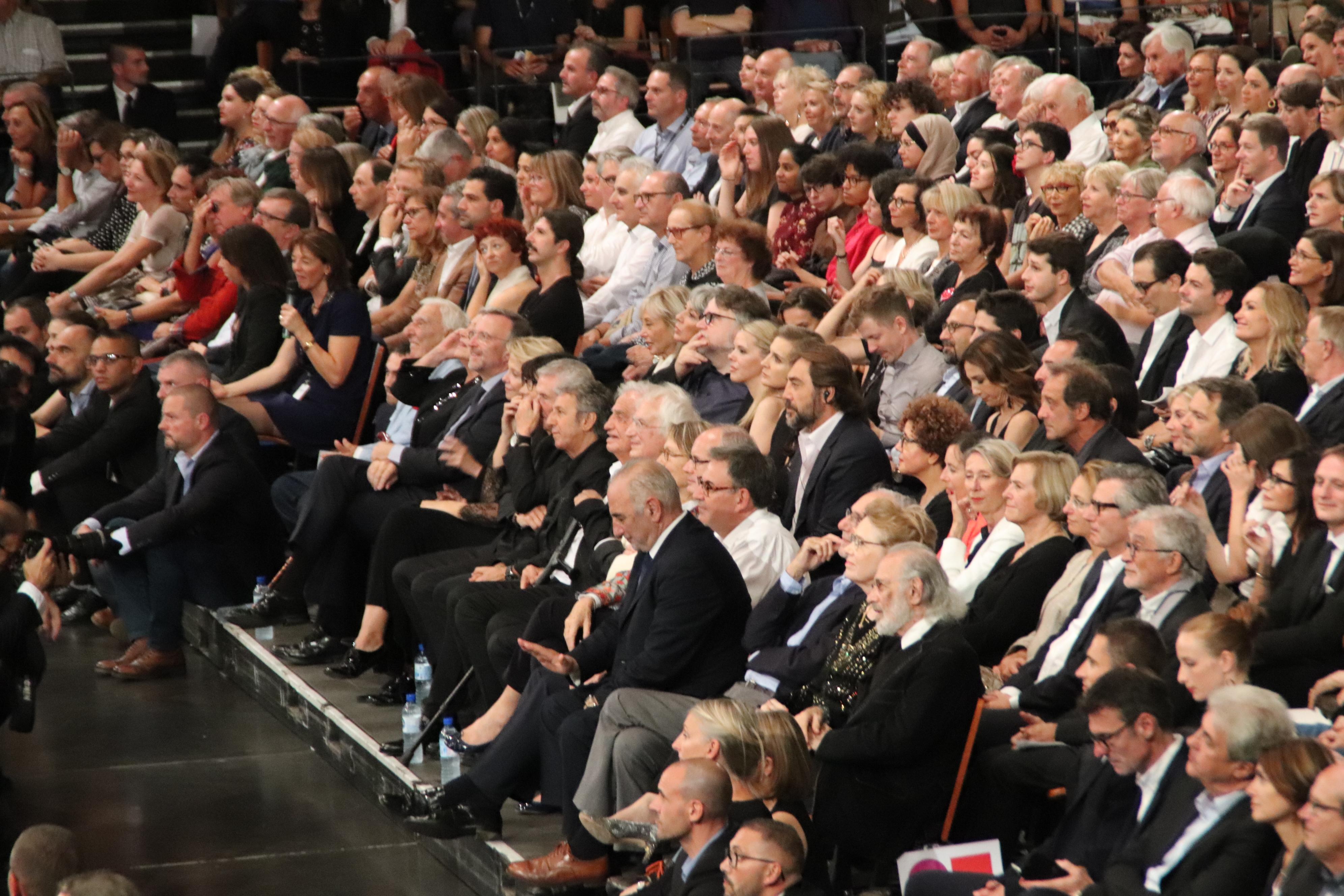 David Kimelfeld, Georges Képénékian et la ministre de la Culture, Françoise Nyssen, étaient entourés de nombreuses stars du grand écran pour l'ouverture du festival Lumière 2018, à la halle Tony-Garnier © Flora Chaduc