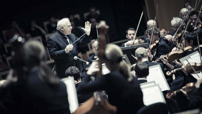 Leonard Slatkin dirigeant l'ONL © David Duchon-Doris