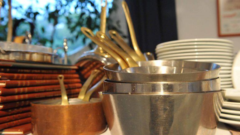 la vaisselle de chefs toil s au guide michelin en vente lyon. Black Bedroom Furniture Sets. Home Design Ideas