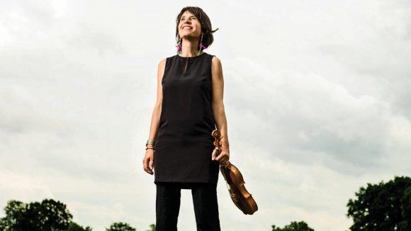 La violoniste Amandine Beyer (ensemble Gli Incogniti) © Francois Sechet