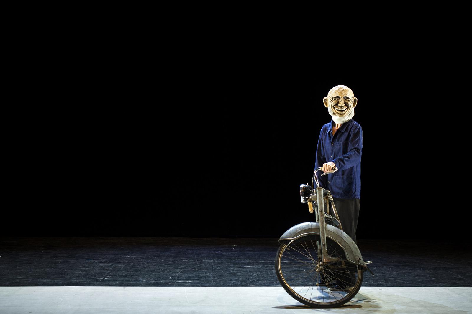 Incertain Monsieur Tokbar, par le Turak Théâtre © Romain Etienne / Item