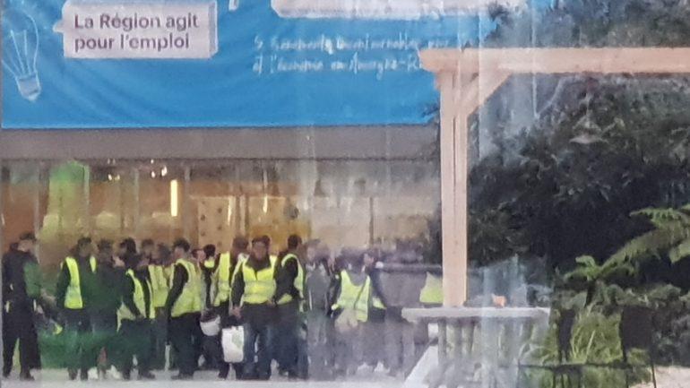Lyon, 7décembre 2018 – Gilets jaunes à l'hôtel de région © Tim Douet