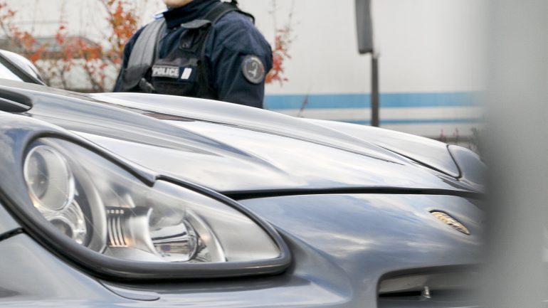 faits divers Douane Opération de Police à Décines © Tim Douet